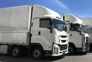 エアサスペンションを装備した専用車両で、精密機器の配送も安心